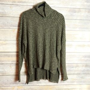 American Eagle High Low Sweater Size M NWT